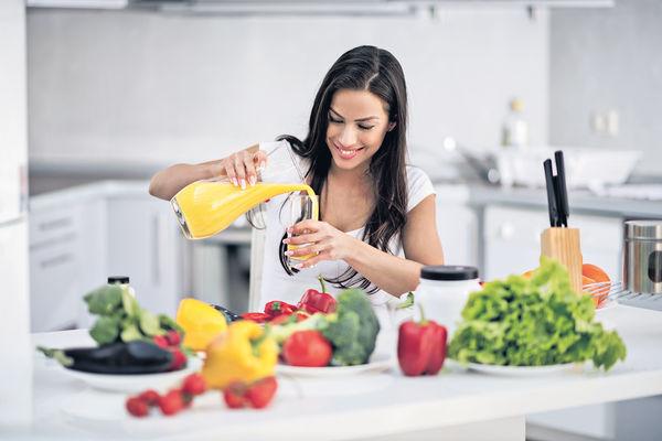 養生蔬果汁 真空攪拌功效佳
