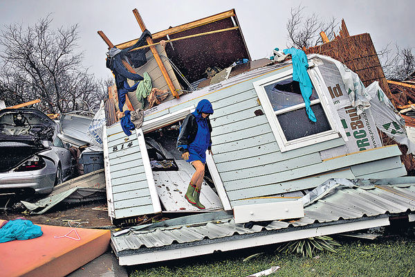 「哈維」釀16死傷 得州洪水威脅