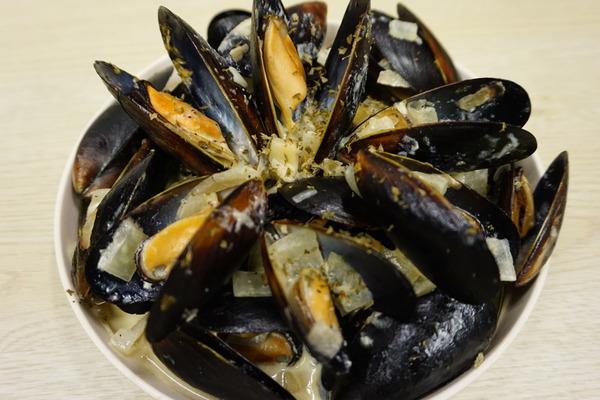 【海鮮食譜】10秒輕鬆學識! 香濃白酒忌廉煮青口