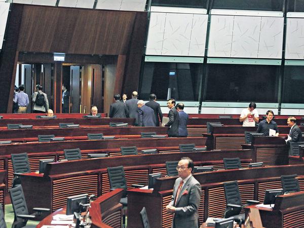 民主派拉布 立法會首次流會