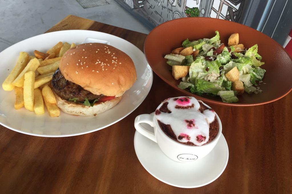 觀塘海濱花園新餐廳 玻璃屋內歎3D拉花咖啡