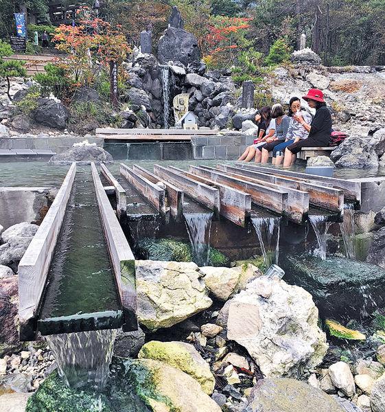 融入大自然美景的草津溫泉