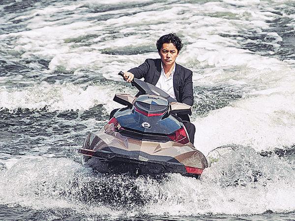 福山考獲水上電單車牌
