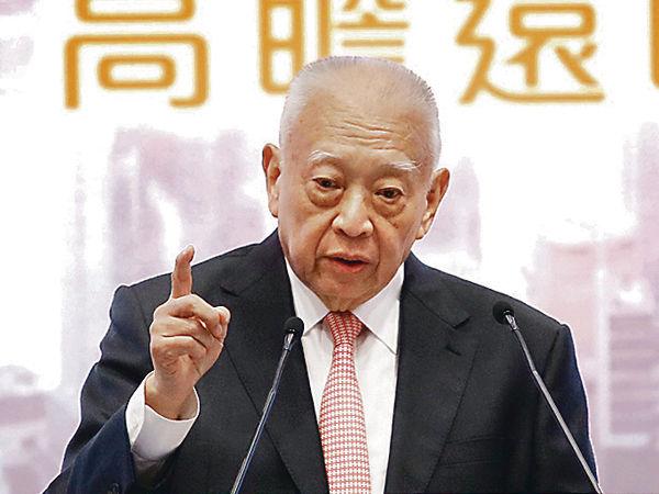 董建華:港持續分化 優勢將消失