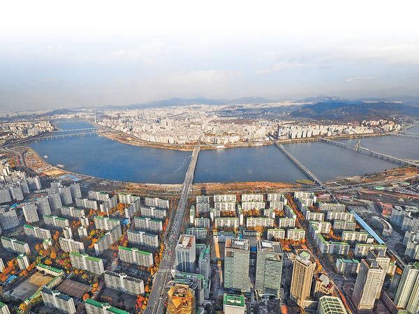 登樂天世界塔 一覽首爾漢江