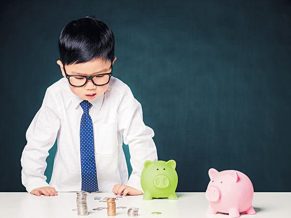 學童從購物中學習 理財觀比金錢更重要