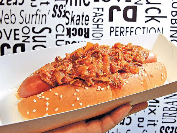 新加坡Style 辣椒蟹熱狗有層次