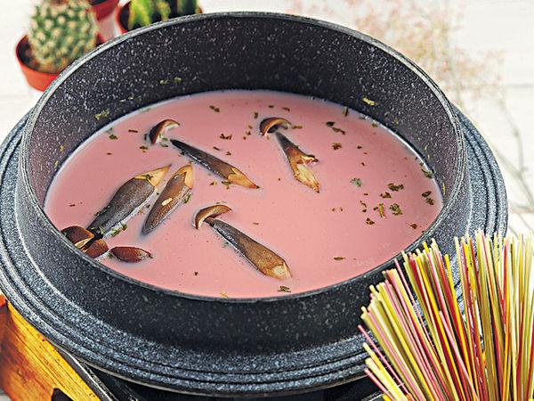 潮食粉紅仙人掌果湯底