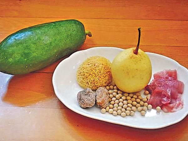 滋潤生津︰ 木瓜雙雪黃豆瘦肉湯