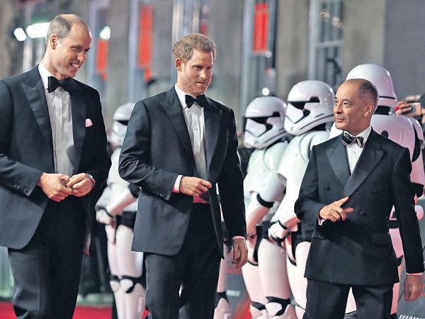 《星戰8》倫敦首映 威廉哈利王子閱「兵」