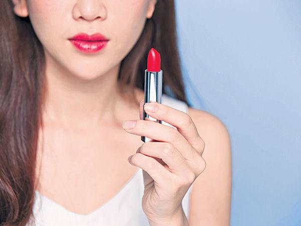 7款唇膏含石蠟 累積體內可致癌