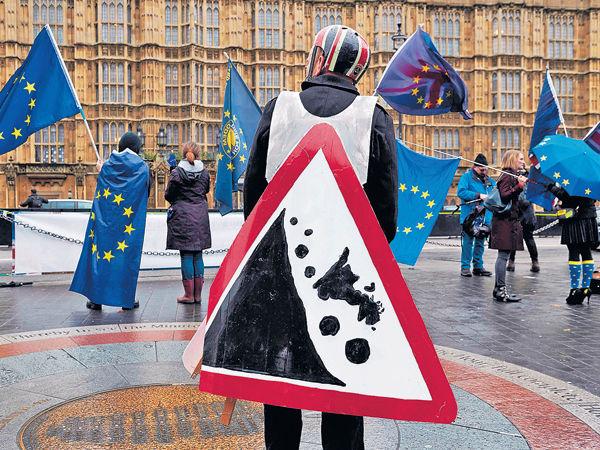 協議須經國會表決 英國脫歐再遇暗湧