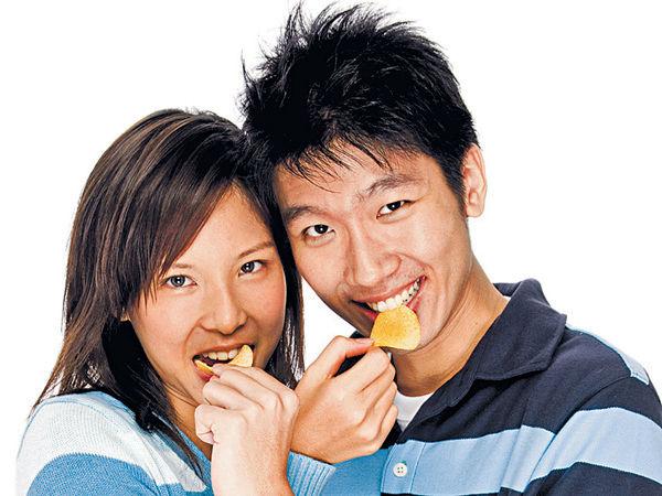 與男友同居後 27%女士變胖