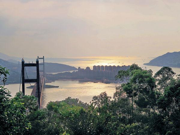 青衣自然徑 大橋伴日落