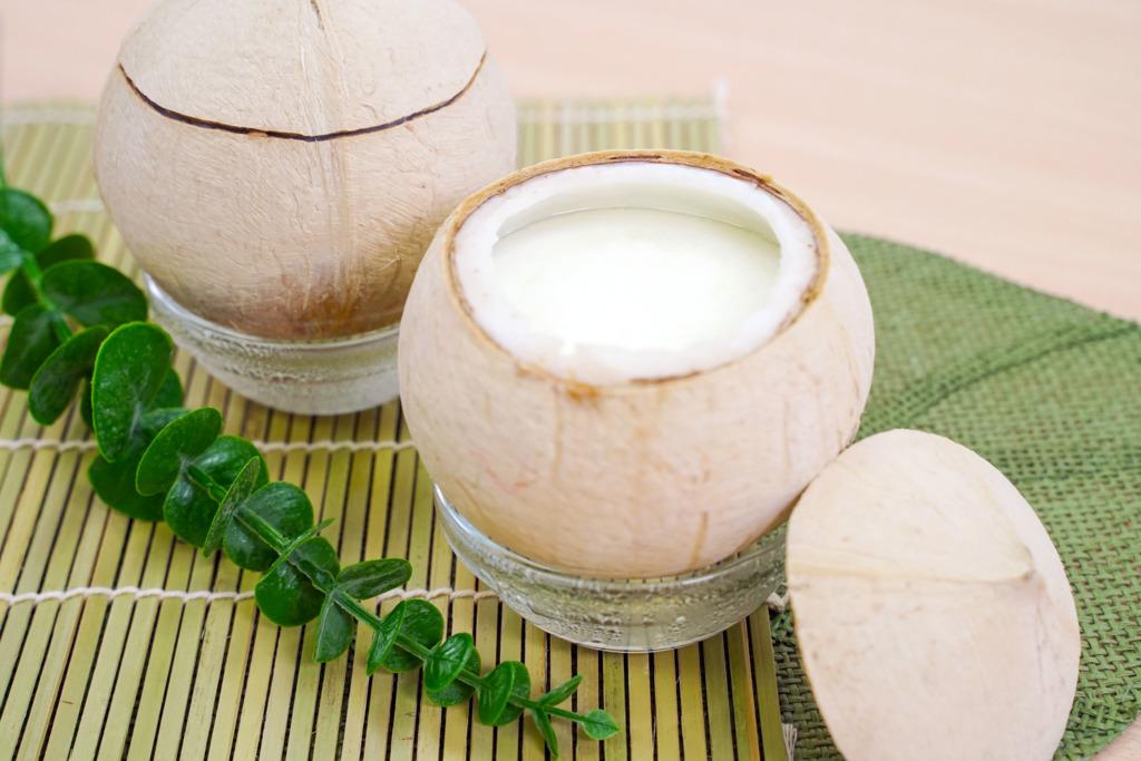 【椰皇燉蛋白】香滑滋潤椰皇燉蛋白食譜  內附簡易開椰皇方法!