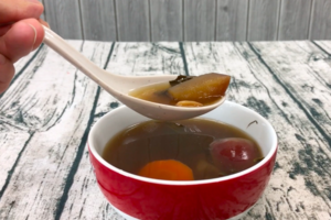 【冬天湯水】化痰止咳 龍脷葉蘋果瘦肉湯