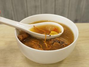 簡易養生補品  蟲草花淮山煲雞湯