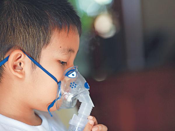 「小朋友自幼患哮喘 誤解長大後能『斷尾』」