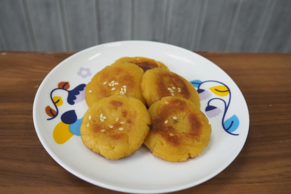 【甜品食譜】高纖維低熱量小食 簡易香煎蕃薯餅