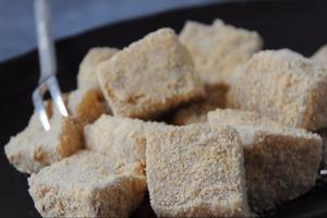 【甜品食譜】5步簡易自製 煙韌黃豆粉蕨餅