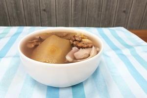 【健康食譜】電飯煲都整到!初秋滋潤解燥湯水 蘋果百合素湯