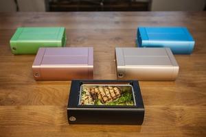 不用再排隊搶微波爐!自動翻熱飯盒可調節溫度+設定午飯時間