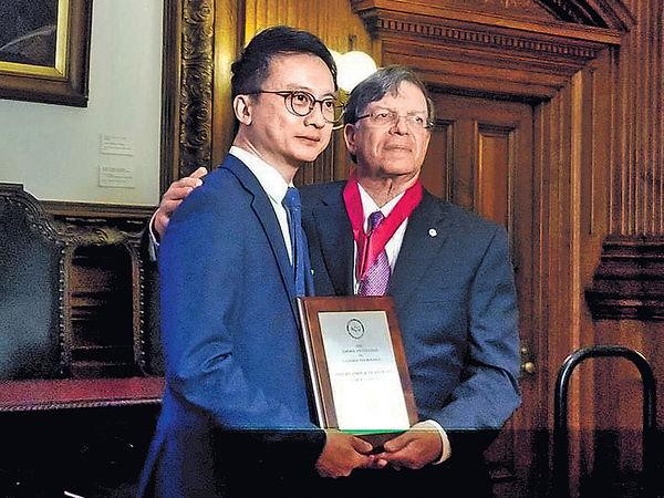 美腸胃科醫學院嘉許 陳家亮獲國際領袖大獎
