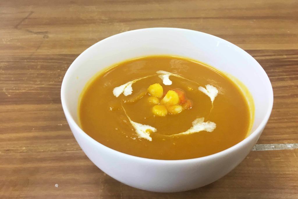 【減肥餐單】低熱量+易飽肚  3步完成南瓜蔬菜濃湯