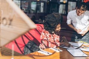 【埋單英文】出街食飯英文你要識!餐廳用膳實用英語懶人包