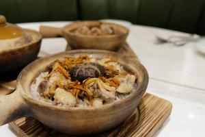 【煲仔飯】灣仔餐廳冬日煲仔飯回歸!新出兩款素食煲仔飯+秋冬滋潤飲品