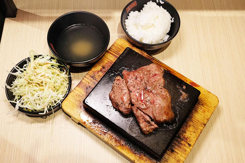 【深水埗美食】$75歎日式熱石牛扒!深水埗全新牛扒自助專門店「三Triple Steak」