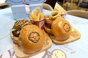【旺角cafe】山下菓子AP鴨期間限定店!主題美食+多款精品/小型展覽
