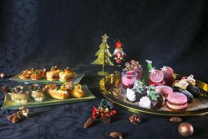 【聖誕下午茶】數碼港酒店推聖誕限定下午茶  飄雪水晶球盛載10款鹹甜點