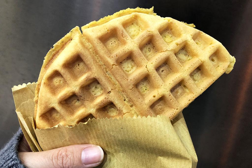 澳門泉記喳咋(喳咋泉)古法製作炭燒格仔餅/炭烤格仔餅/夾餅