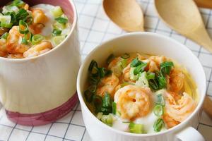 【減肥食譜】1個杯輕鬆整到減肥餐  超方便滑蛋蝦仁燕麥杯