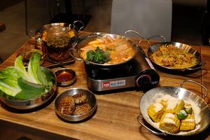 【尖沙咀自助餐】尖沙咀Joomak引入Omnipork植物豬肉推出90分鐘素食放題 素芝士薯條/生菜包/自選煎餅
