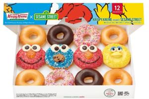 日本冬甩店Krispy Kreme Doughnuts推出三款芝麻街冬甩,款式有Elmo、Cookie Monster、Big Bird。