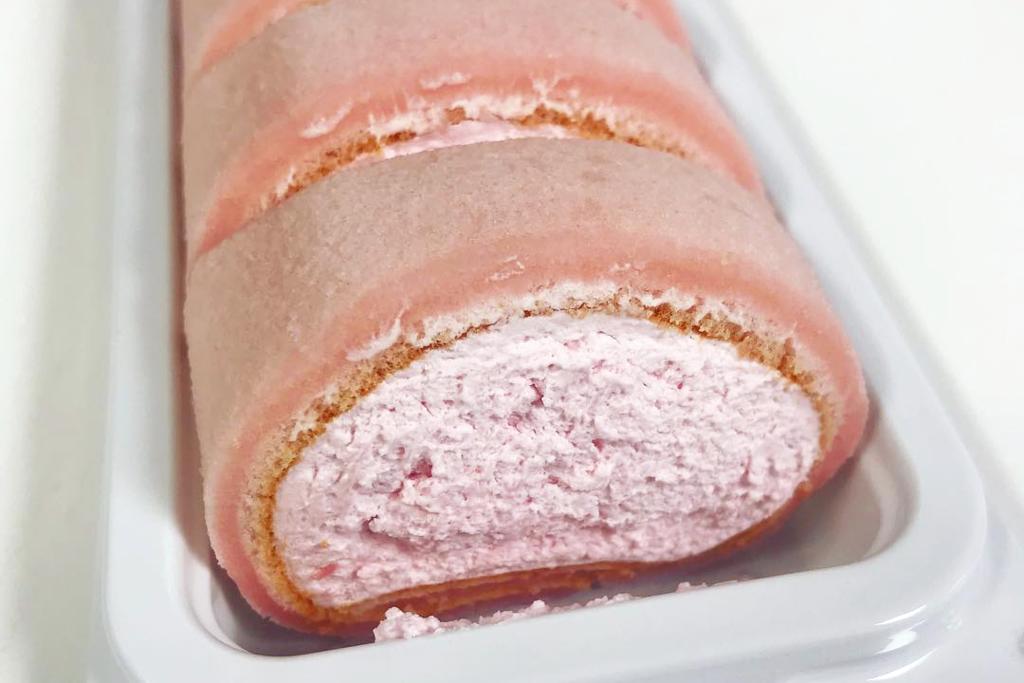 韓國便利店CU推出爆餡士多啤梨麻糬卷,至啱甜品控!