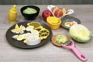 【$12店必買】實測六款$12廚房小法寶 原個檸檬噴劑/叮叮溫泉蛋神器/蘋果切片器