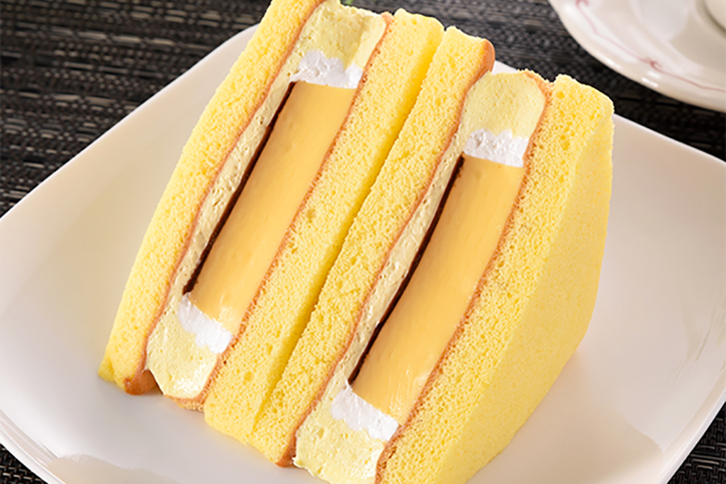 【日本FamilyMart 必食】日本便利店厚身布甸蛋糕三文治甜品 焦糖布丁+布丁忌廉蛋糕!