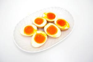 【雞蛋食譜】陣陣酒香味! 超簡易花雕溏心蛋