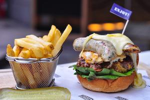 【旺角美食】旺角Texas Burger新推6款菜式 即刨熱溶芝士漢堡/髒髒咖啡/仙氣Brownie