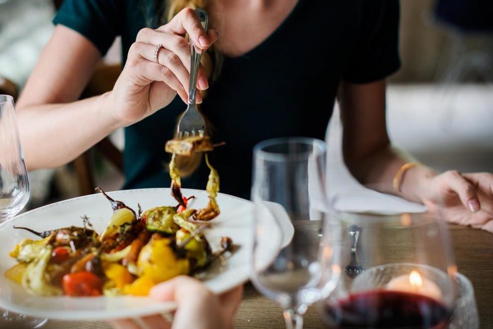 【發脾氣原因】發脾氣原來因為肚餓!研究:女性食慾及情緒較易受荷爾蒙影響