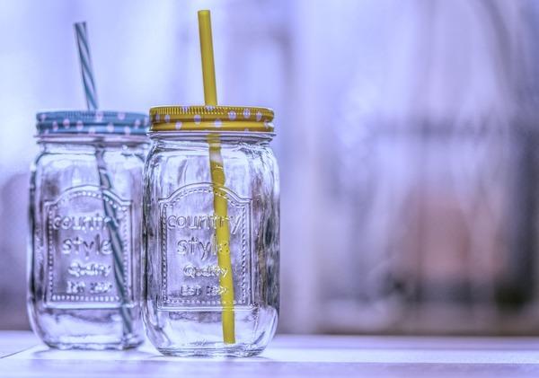 4. 瓶蓋和飲管清洗方法|飲管和瓶蓋可以使用浸洗的方式,除了加入洗潔精,可加入梳打粉或醋加強除味去污效果。