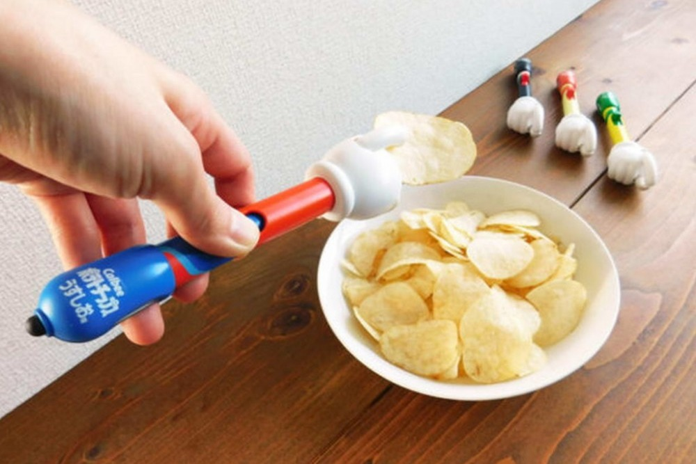 【懶人恩物】日本卡樂B新推出升級版薯片神器 夾薯片+變螢幕觸控筆