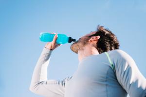 【能量飲品】內地感冒男運動飲料當水飲  患急性糖尿病併發症中毒險死