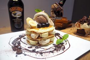 【Baileys雪糕】甜酒品牌BAILEYS聯乘Café期間限定新款甜品 Baileys朱古力香蕉班戟/朱古力蛋糕/朱古力雪糕新地