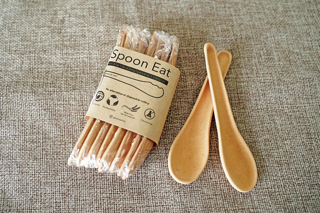【環保餐具】匙羹都可以食落肚?!實測似餅乾的環保可食用匙羹