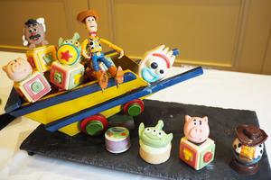 香港迪士尼樂園度假區全新Pixar彼思主題美食系列  《反斗奇兵4》主題自助餐/多個角色造型小食/父親節優惠