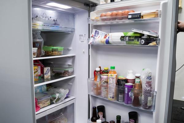 【雪櫃清潔】放檸檬入雪櫃仍然有臭味? 教你8個簡單天然雪櫃除味/清潔/預防臭味方法